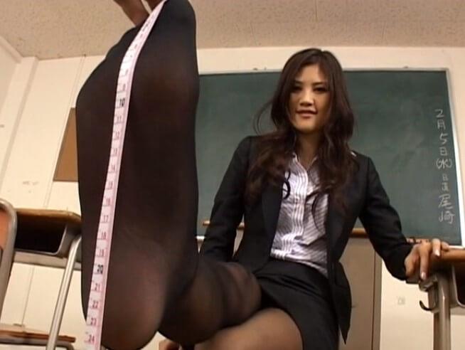 【一戸のぞみ,佐伯奈々】長身女のデカ足サイズ測定!「美少女の足裏12」